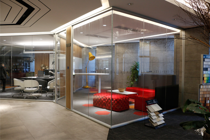 Modern office glass partition wall